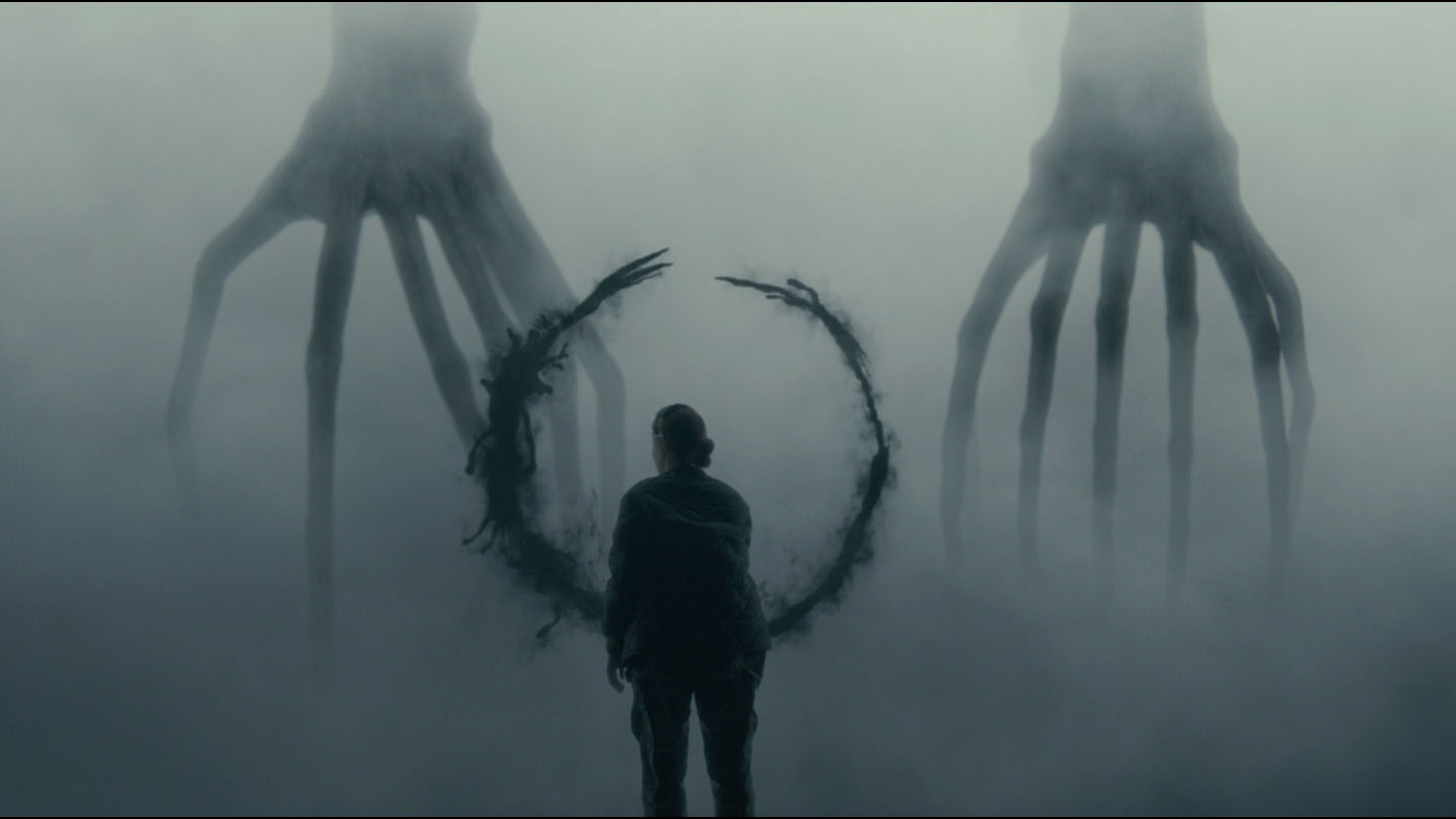 Louise facing the heptapods in *Arrival*